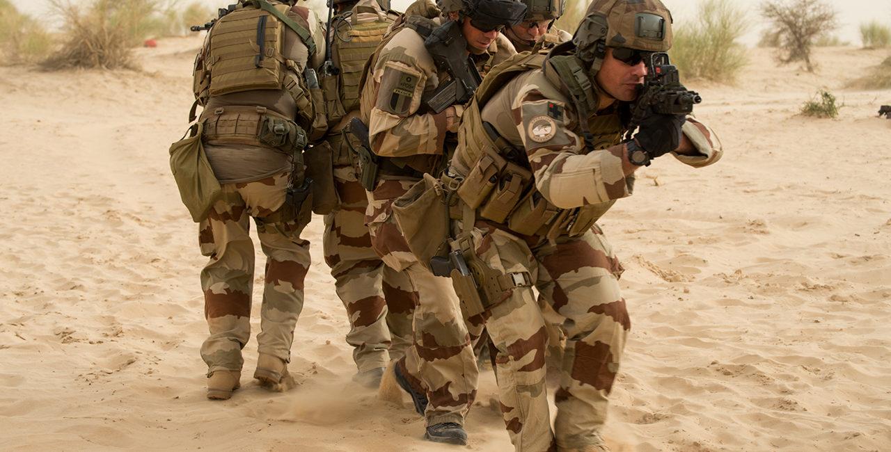 Bannière # 16 – Opération Barkhane dans la bande sahélo-saharienne