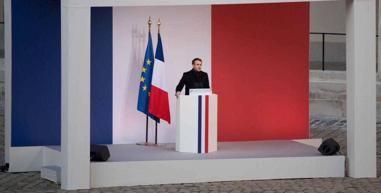 Bannière Cérémonie en hommage aux treize soldats morts pour la France au Mali