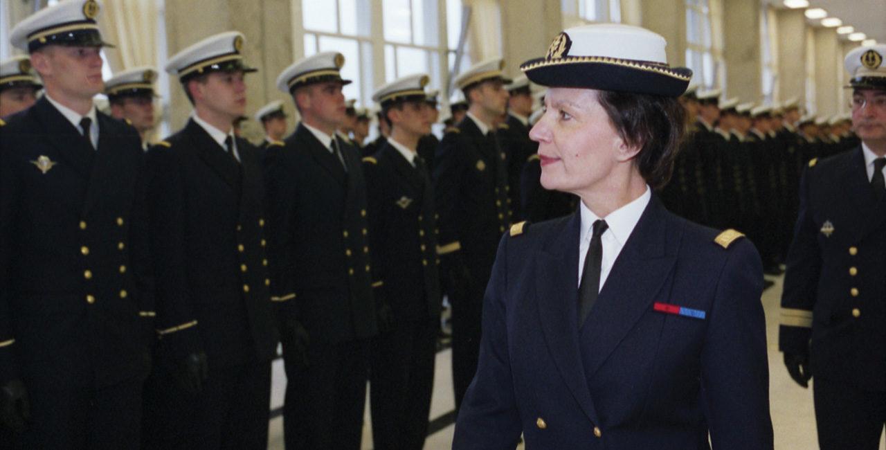 Bannière Portfolio – L'uniforme au féminin