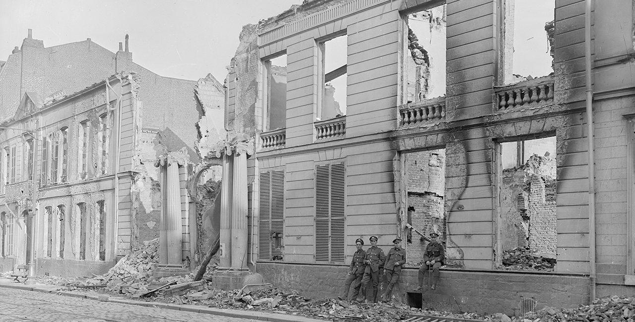 Bannière Les destructions de la Première Guerre mondiale dans les fonds de l'ECPAD