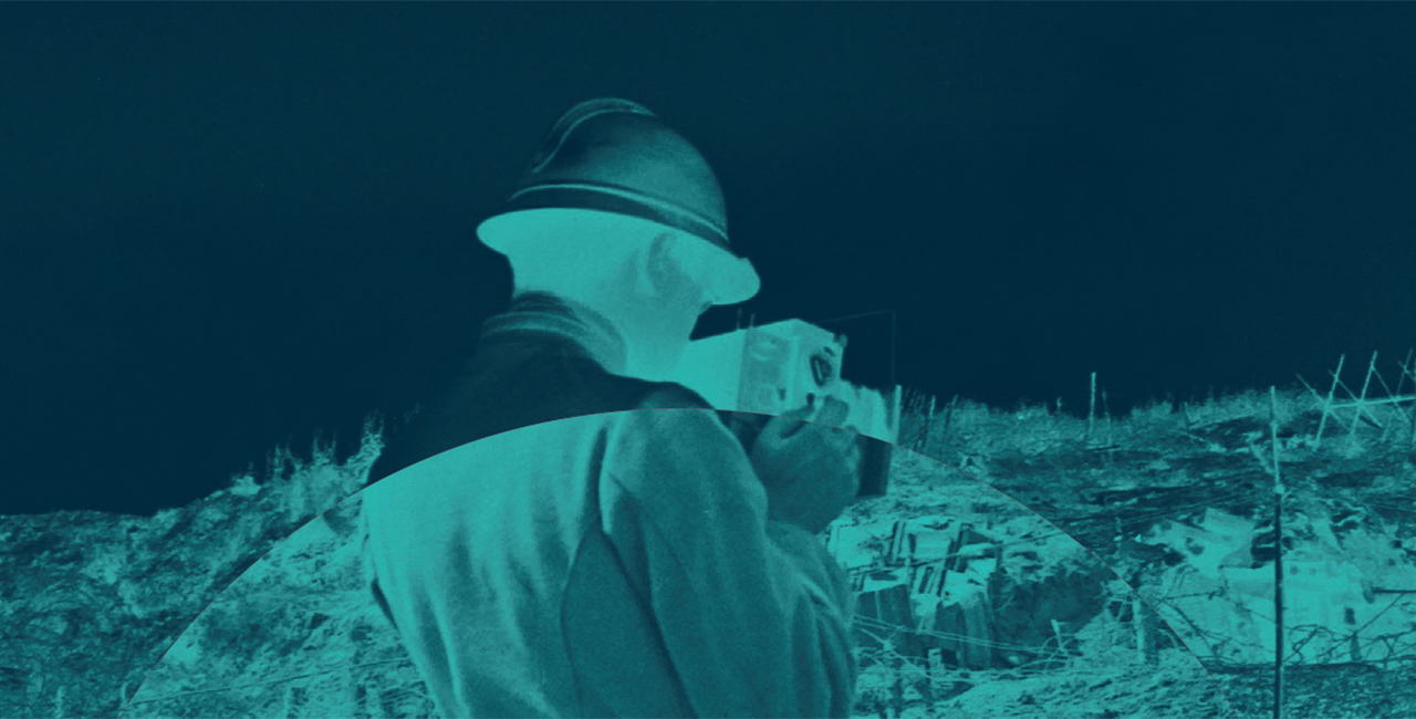 Bannière « Derrière les images. Photographier la guerre », l'exposition organisée par l'ECPAD et le Mémorial 14-18 Notre-Dame-de-Lorette