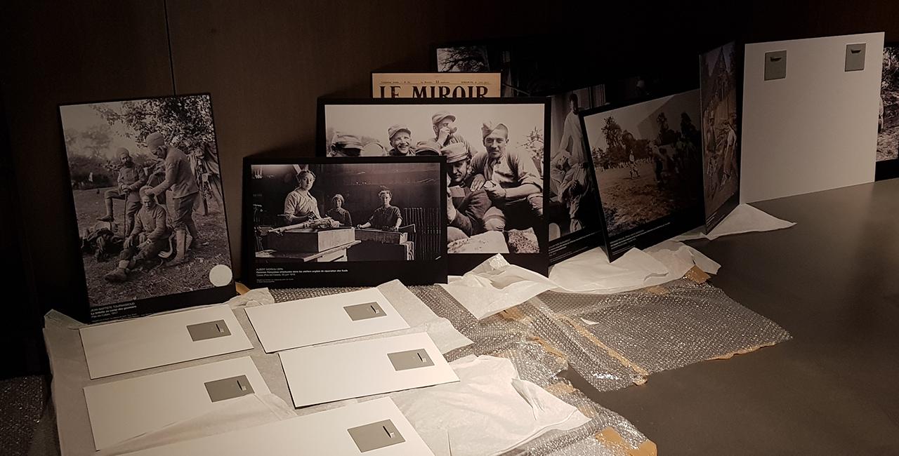 Bannière Dans les coulisses de … « Derrière les images. Photographier la guerre », l'exposition organisée par l'ECPAD et le Mémorial 14-18 Notre-Dame-de-Lorette