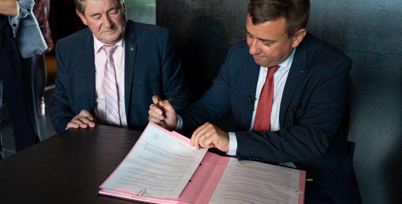 Bannière L'ECPAD signe une convention de partenariat pluriannuelle avec l'office du tourisme et du patrimoine de Lens-Liévin